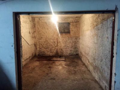 Box o garage in Vendita a Nola