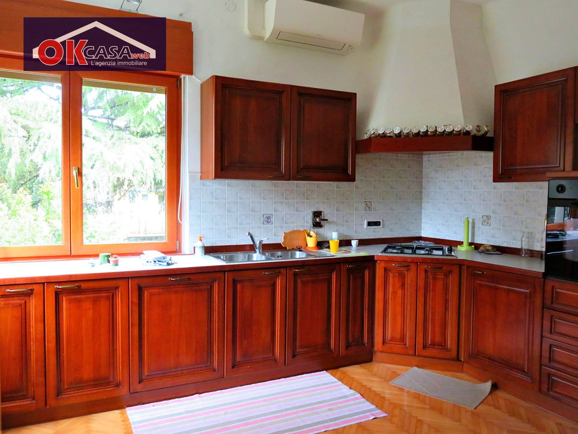 Villa in vendita a Gradisca d'Isonzo, 7 locali, prezzo € 289.000 | CambioCasa.it
