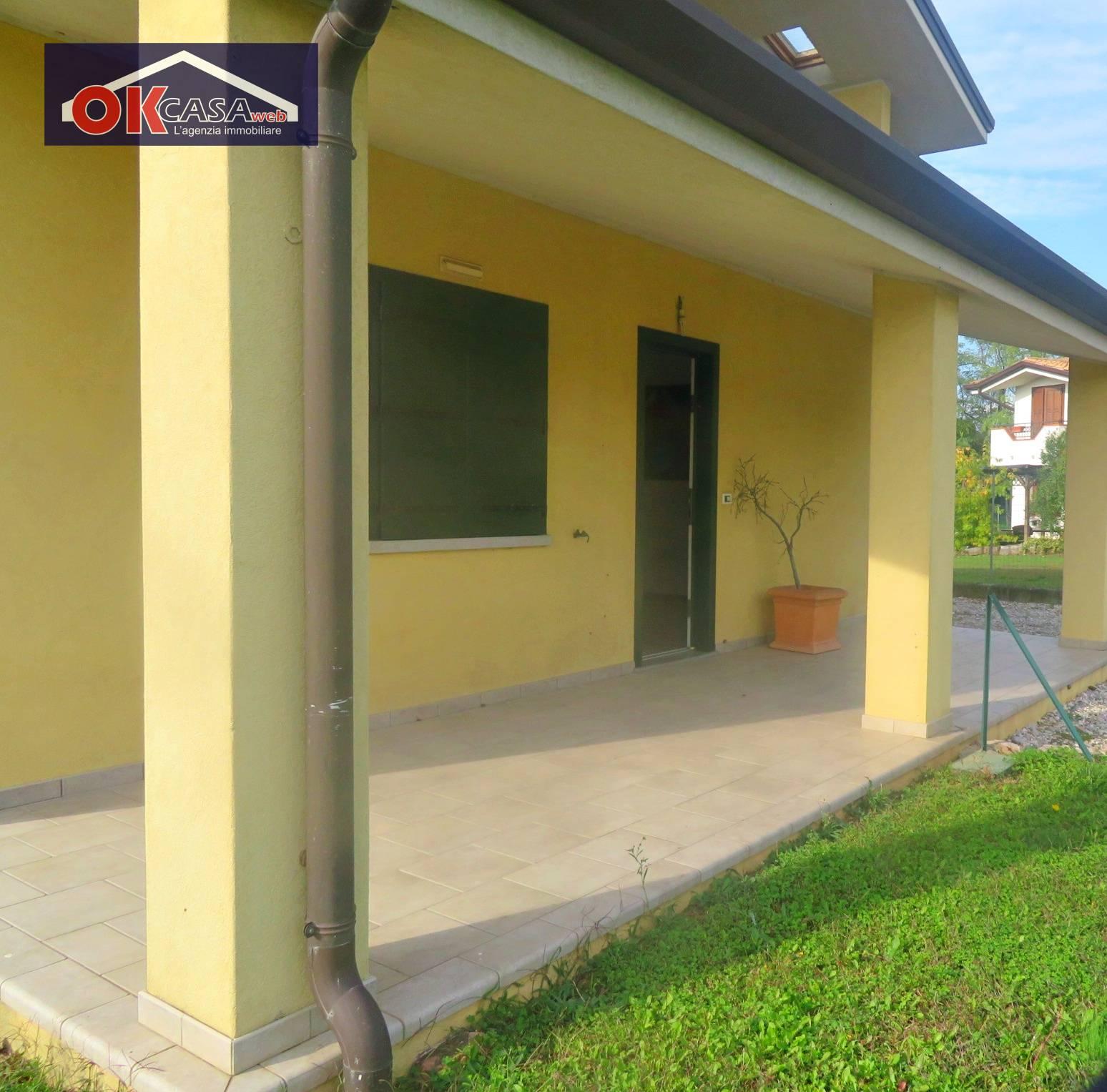 Villa in vendita a Gradisca d'Isonzo, 6 locali, prezzo € 270.000 | CambioCasa.it