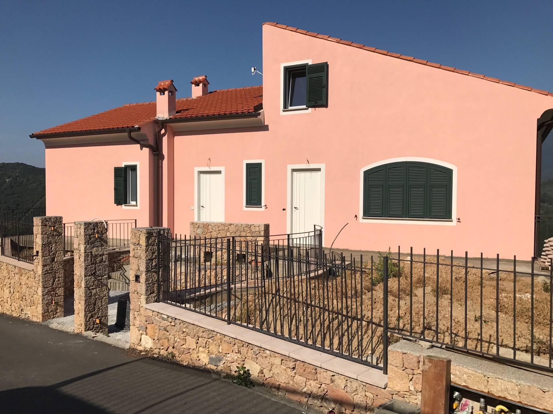 Appartamento in vendita a Finale Ligure, 3 locali, zona Zona: Finalborgo, prezzo € 280.000 | CambioCasa.it