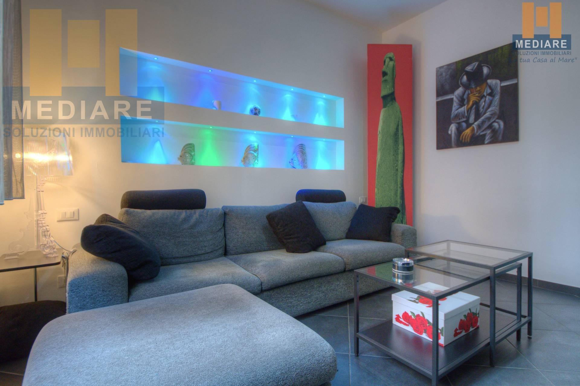 Appartamento in vendita a Finale Ligure, 3 locali, zona Località: FinalePia, prezzo € 345.000 | CambioCasa.it