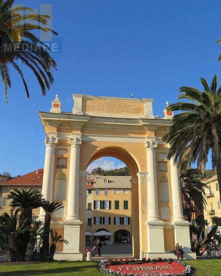 Appartamento in vendita a Finale Ligure, 3 locali, zona Località: FinaleMarina, prezzo € 295.000 | CambioCasa.it