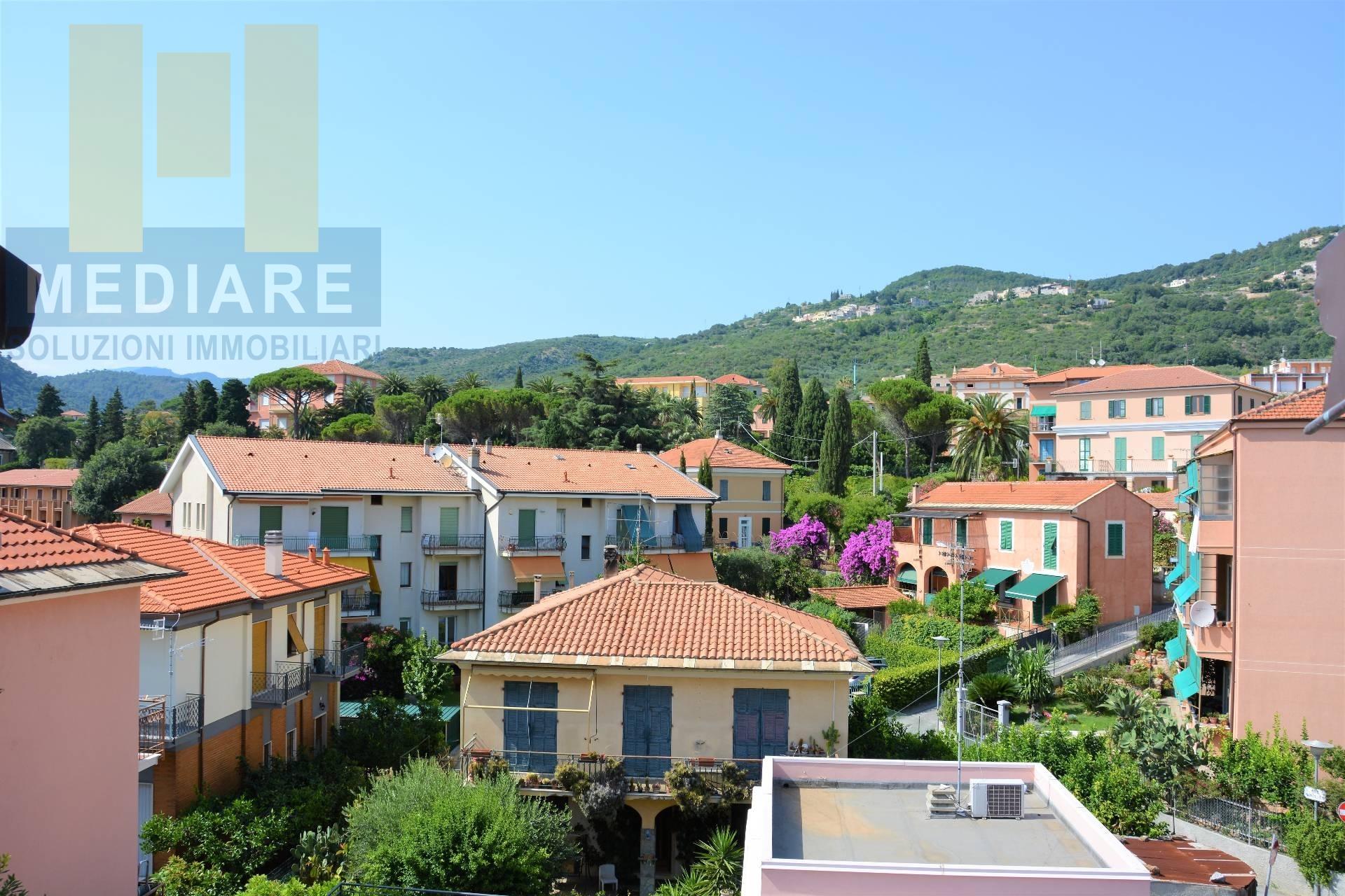 Appartamento in vendita a Borgio Verezzi, 3 locali, zona Zona: Borgio, prezzo € 240.000   CambioCasa.it