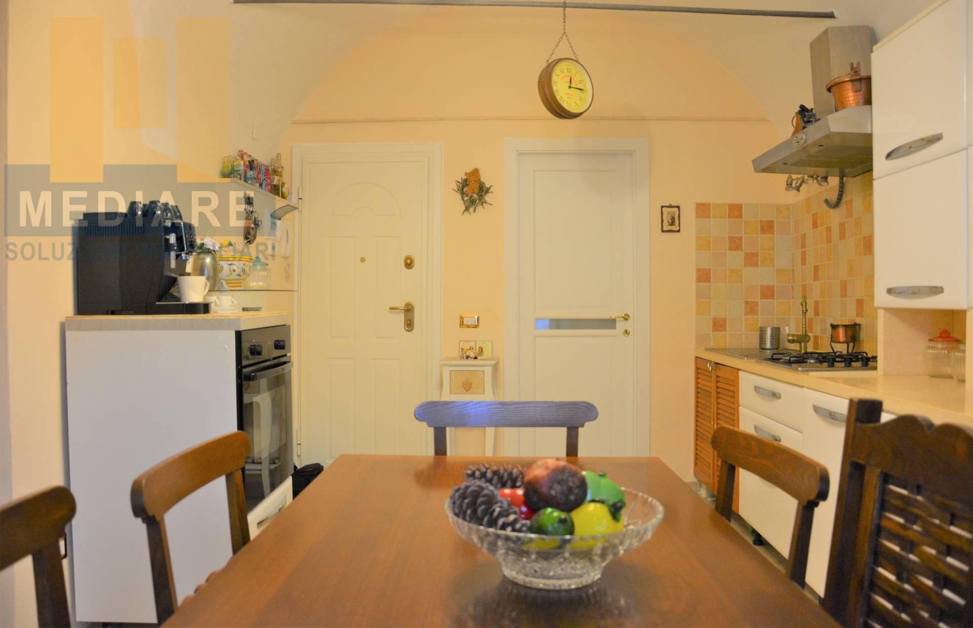 Appartamento in vendita a Finale Ligure, 3 locali, zona Zona: Finalborgo, prezzo € 167.000 | CambioCasa.it