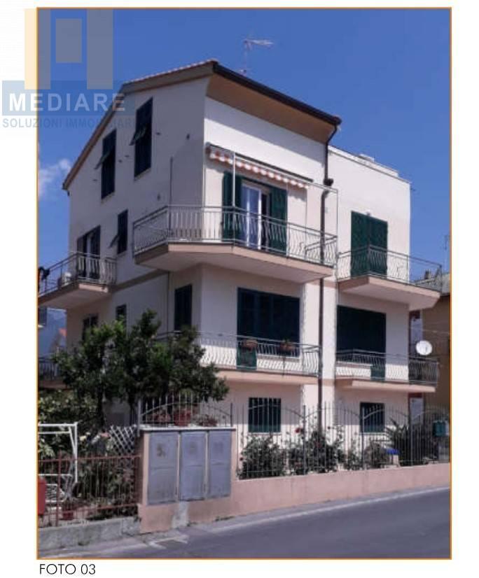 Appartamento in vendita a Borghetto Santo Spirito, 4 locali, prezzo € 290.000   CambioCasa.it