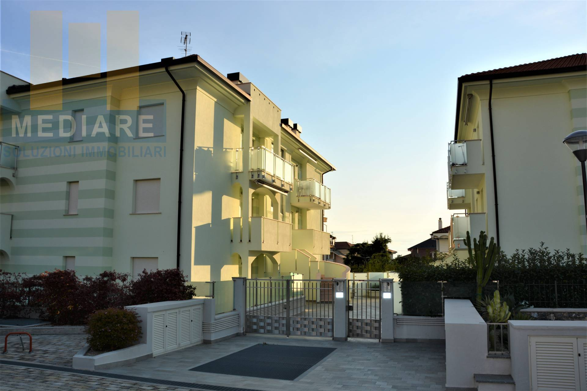 Appartamento in vendita a Borghetto Santo Spirito, 2 locali, prezzo € 273.000 | CambioCasa.it