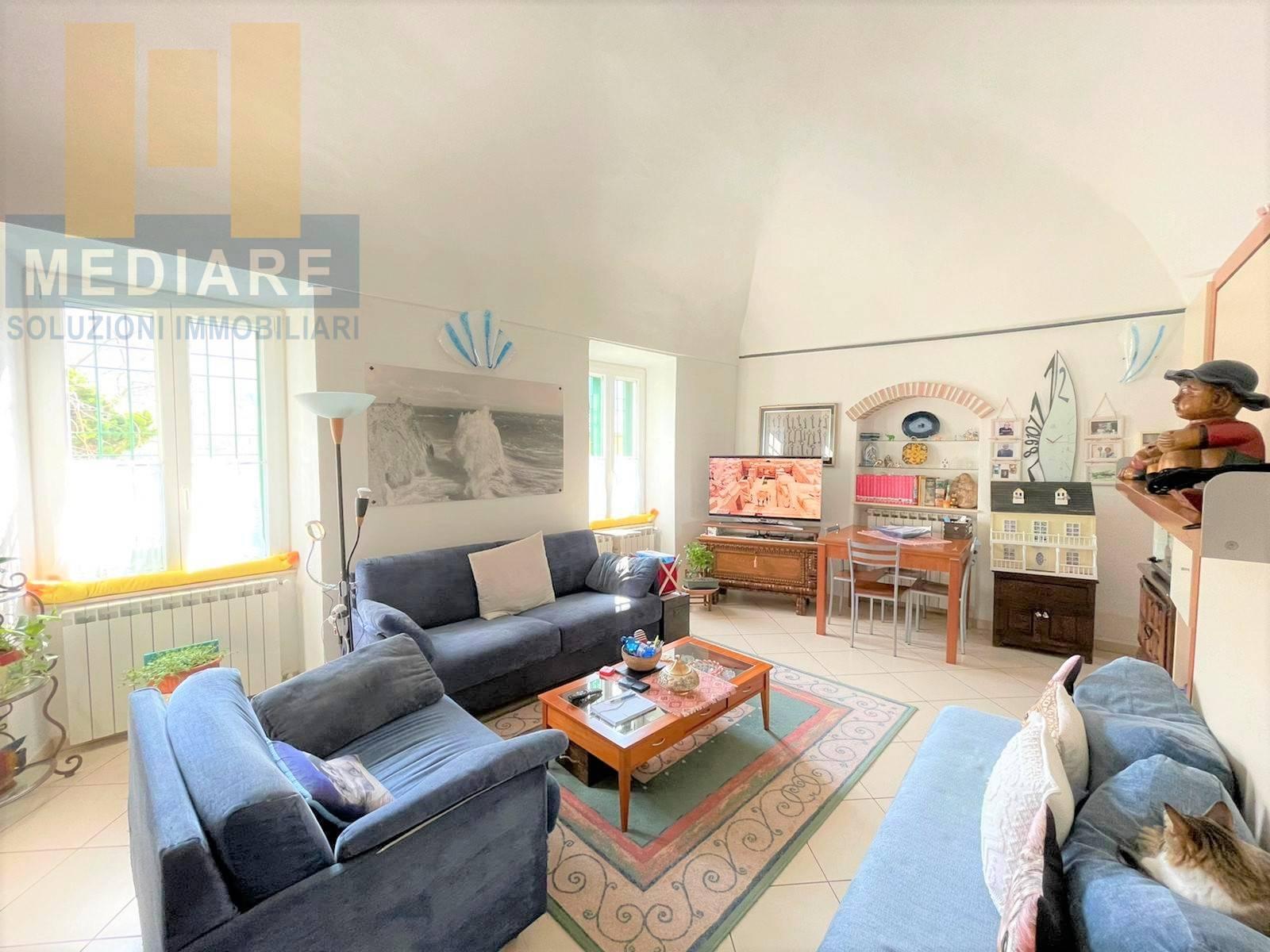 Appartamento in vendita a Orco Feglino, 4 locali, prezzo € 295.000 | CambioCasa.it