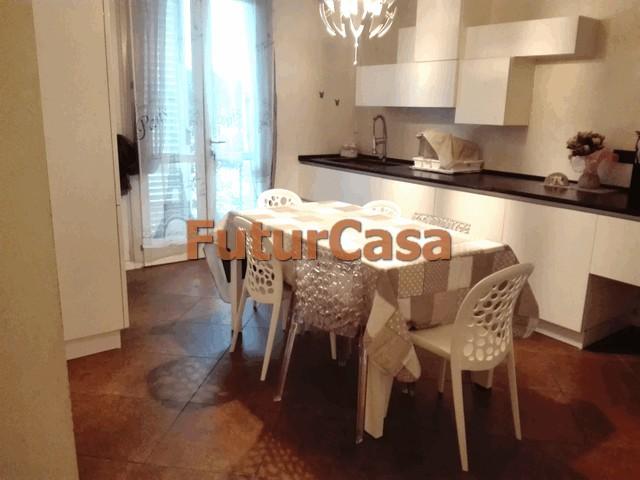 Agriturismo in affitto a Altopascio, 5 locali, prezzo € 700 | Cambio Casa.it