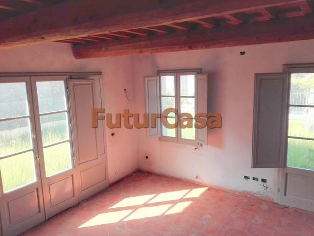 Agriturismo in vendita a Castelfranco di Sotto, 4 locali, zona Zona: Orentano, prezzo € 170.000 | Cambio Casa.it