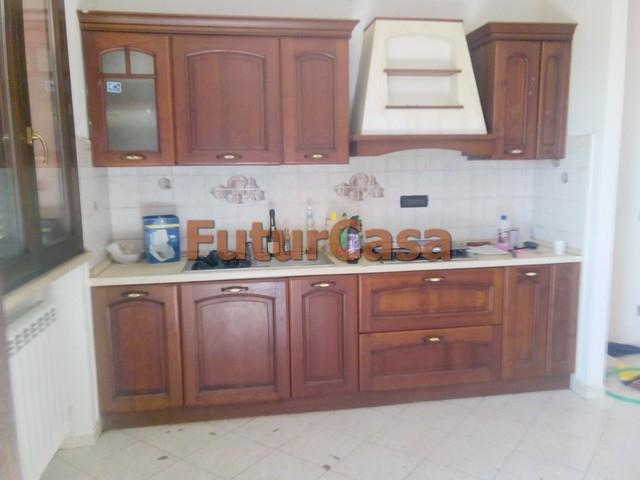 Appartamento in affitto a Castelfranco di Sotto, 3 locali, zona Località: VillaCampanile, prezzo € 500 | CambioCasa.it