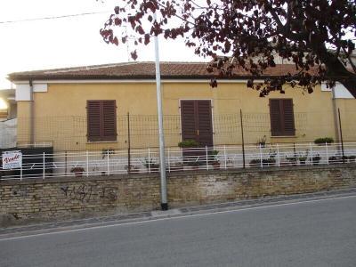 Rustico in Vendita a Mosciano Sant'Angelo