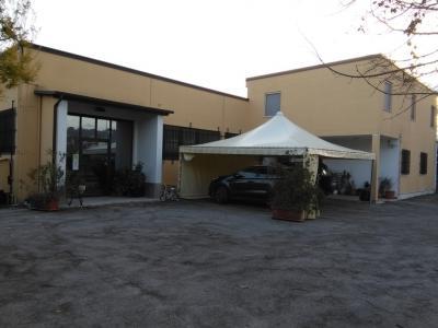Capannone in Affitto/Vendita a Bellante