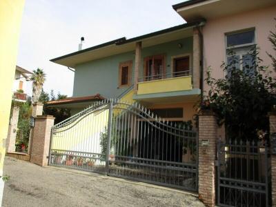 Villette a schiera in Vendita a Mosciano Sant'Angelo