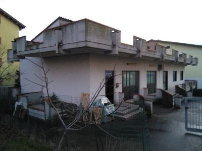 Capannone in Vendita a Mosciano Sant'Angelo