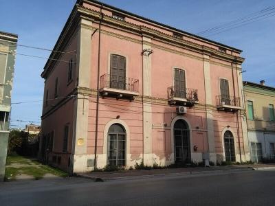 Struttura ricettiva in Vendita a Giulianova