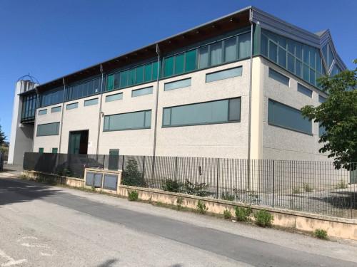 Locale commerciale in Vendita a Mosciano Sant'Angelo