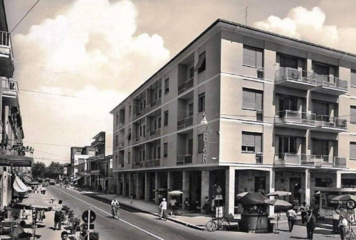 Locale commerciale in Affitto a Giulianova