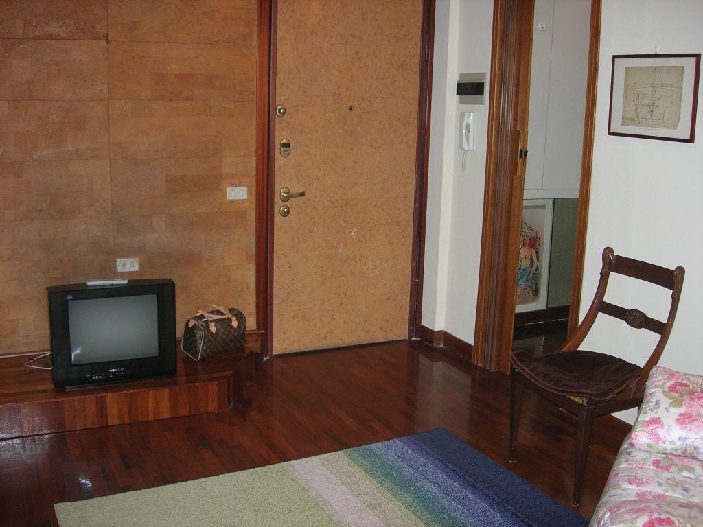 Appartamento in affitto a Legnano, 2 locali, zona Zona: Legnarello, prezzo € 63.000 | CambioCasa.it