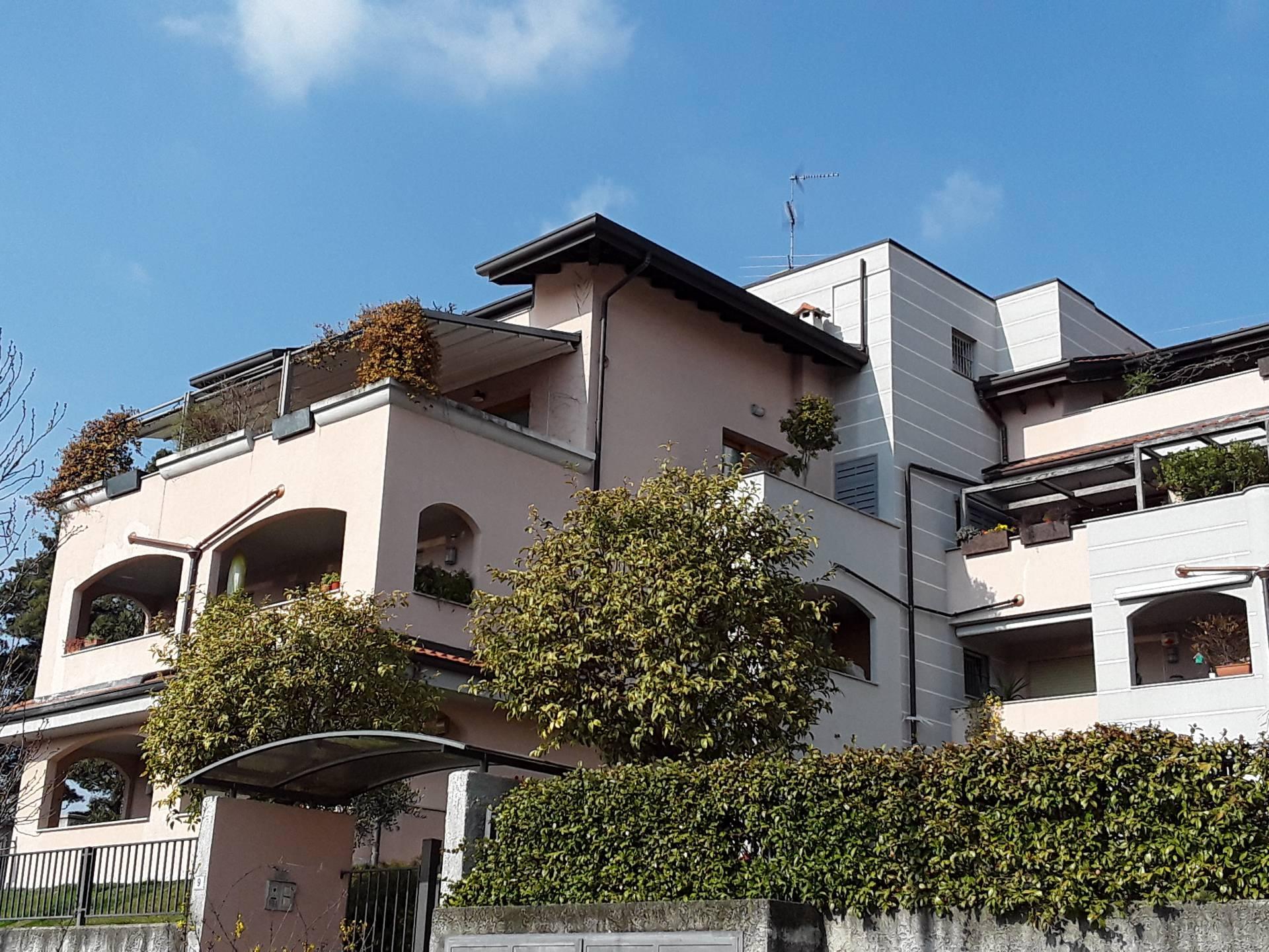Appartamento in vendita a San Vittore Olona, 2 locali, prezzo € 98.000 | CambioCasa.it