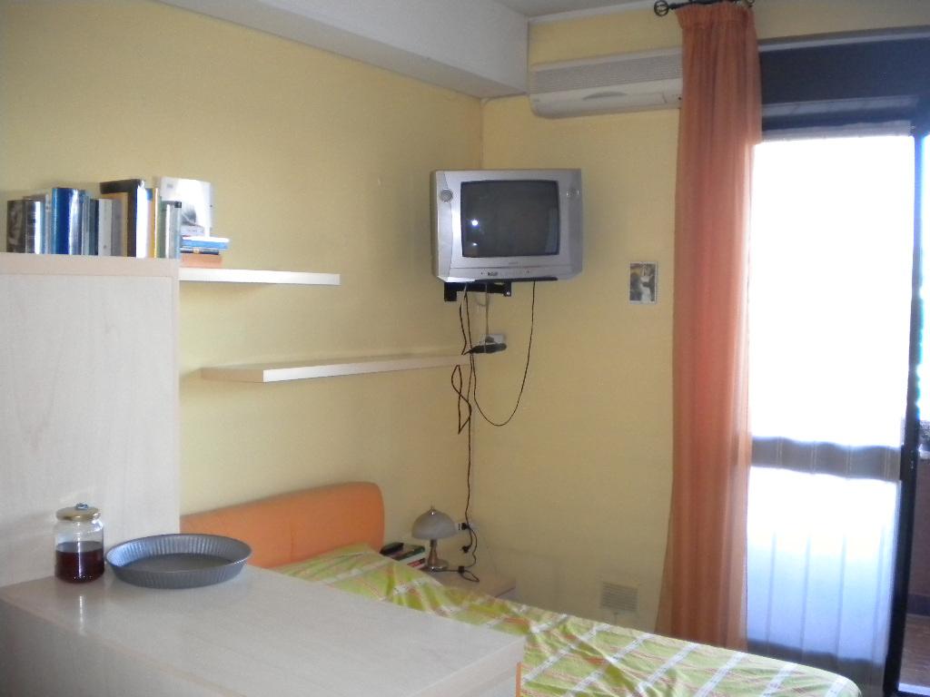 Appartamento in affitto a Legnano, 1 locali, zona Zona: Frati, prezzo € 370 | CambioCasa.it