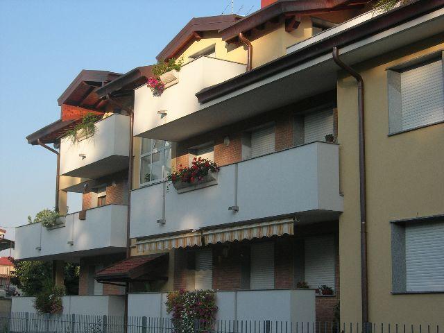 Appartamento in vendita a Rescaldina, 2 locali, prezzo € 126.000 | CambioCasa.it