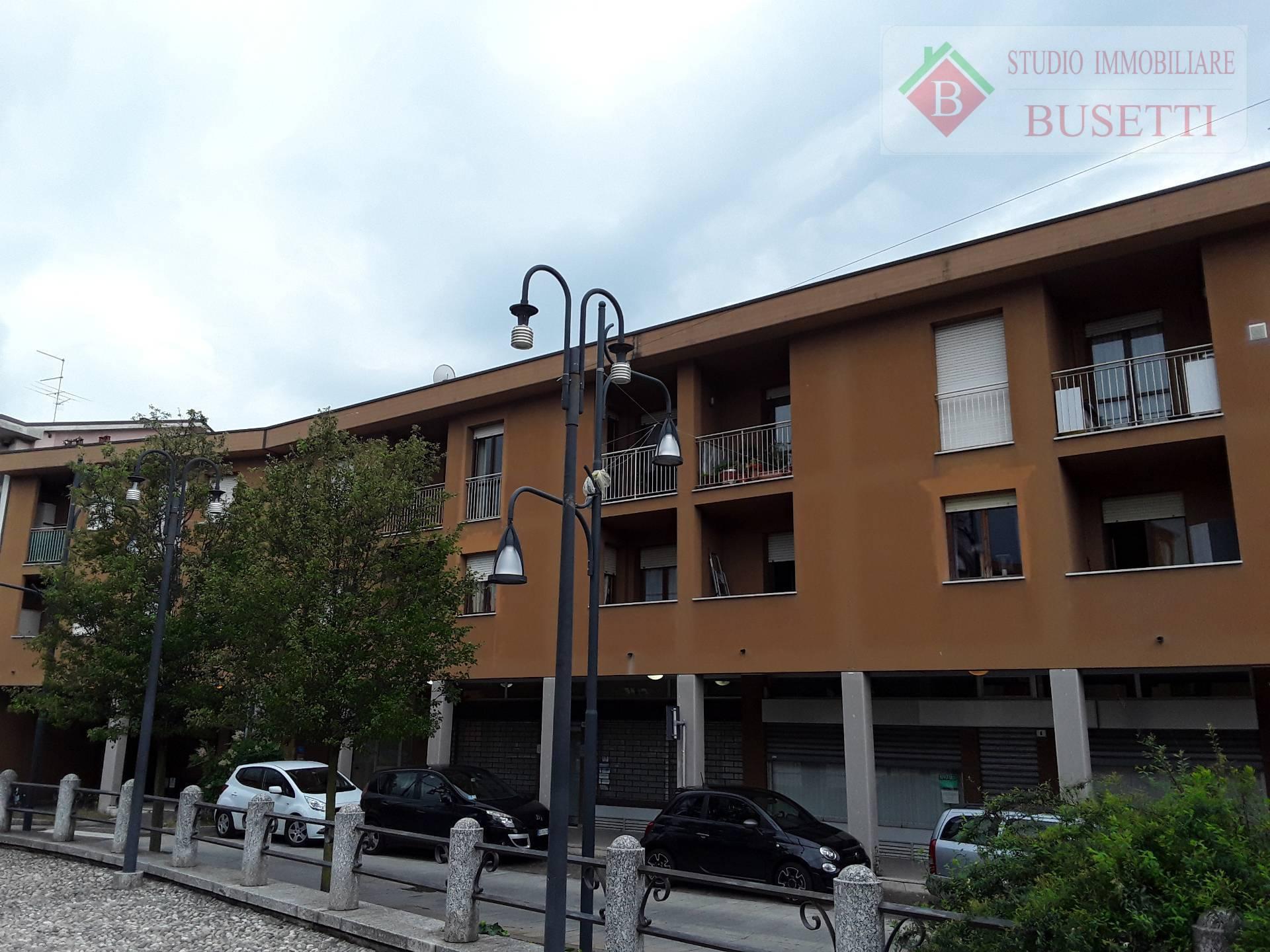 Appartamento in vendita a Mozzate, 4 locali, prezzo € 138.000 | CambioCasa.it