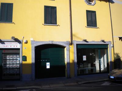 Negozio in Affitto a Legnano