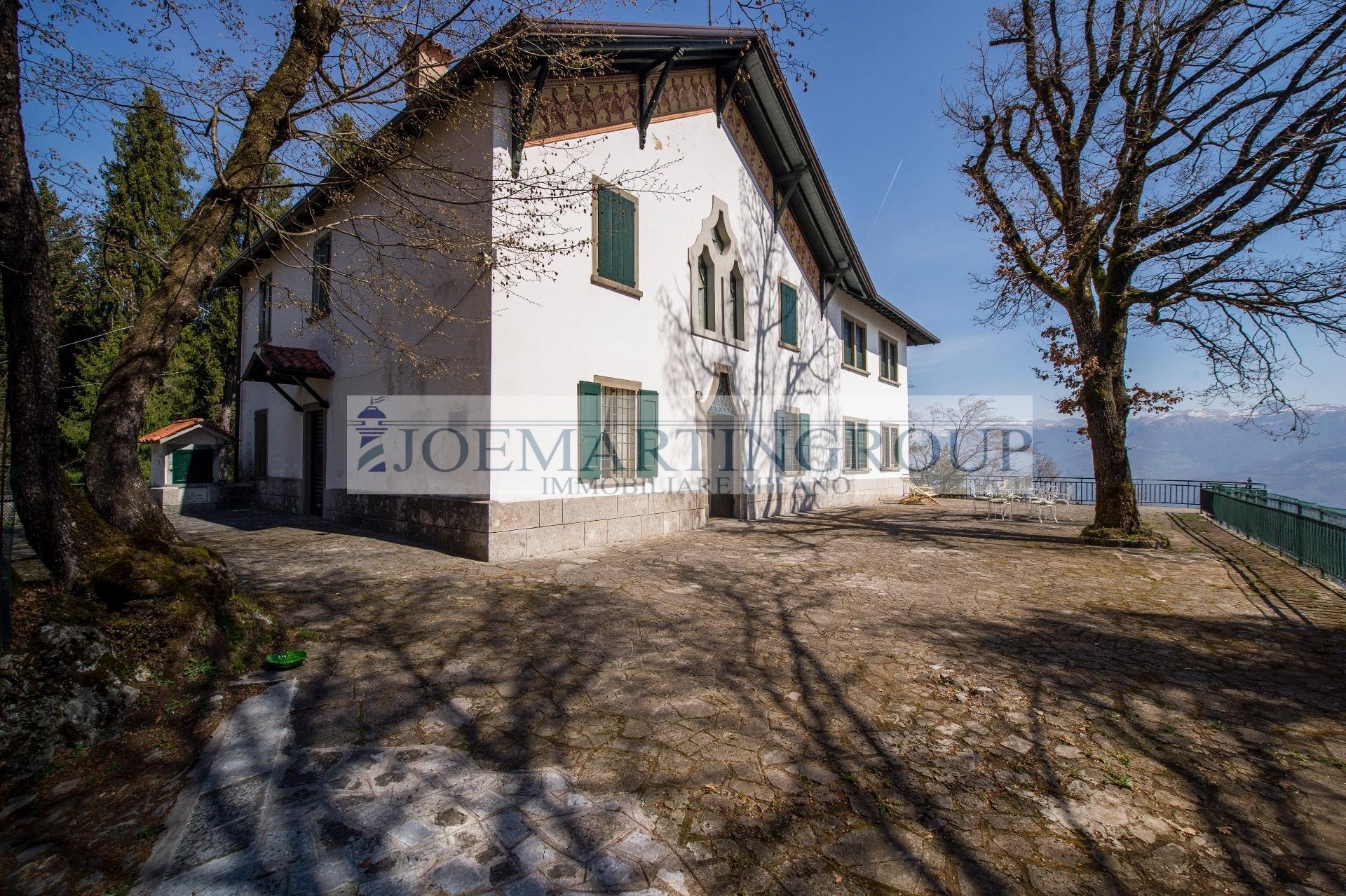 Villa in vendita a Lovere, 10 locali, prezzo € 990.000   CambioCasa.it