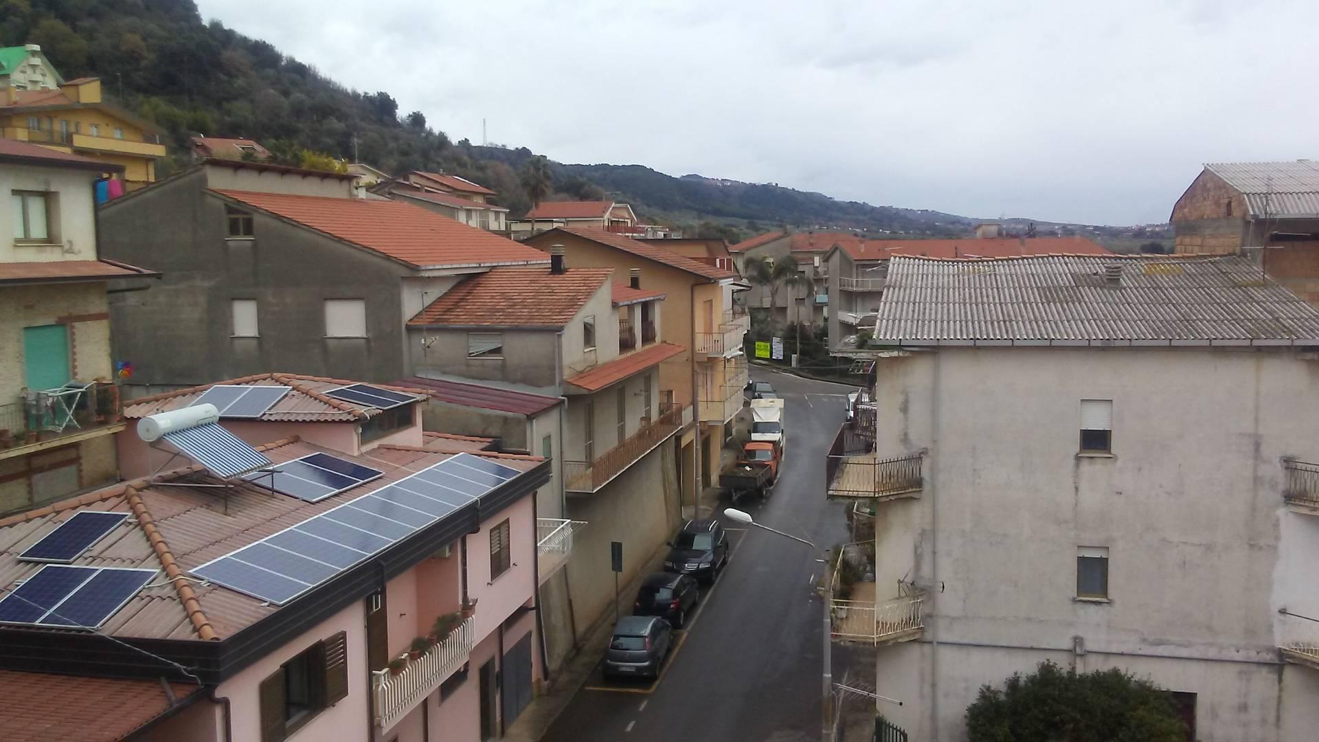 Appartamento in vendita a Pianopoli, 5 locali, prezzo € 50.000 | CambioCasa.it