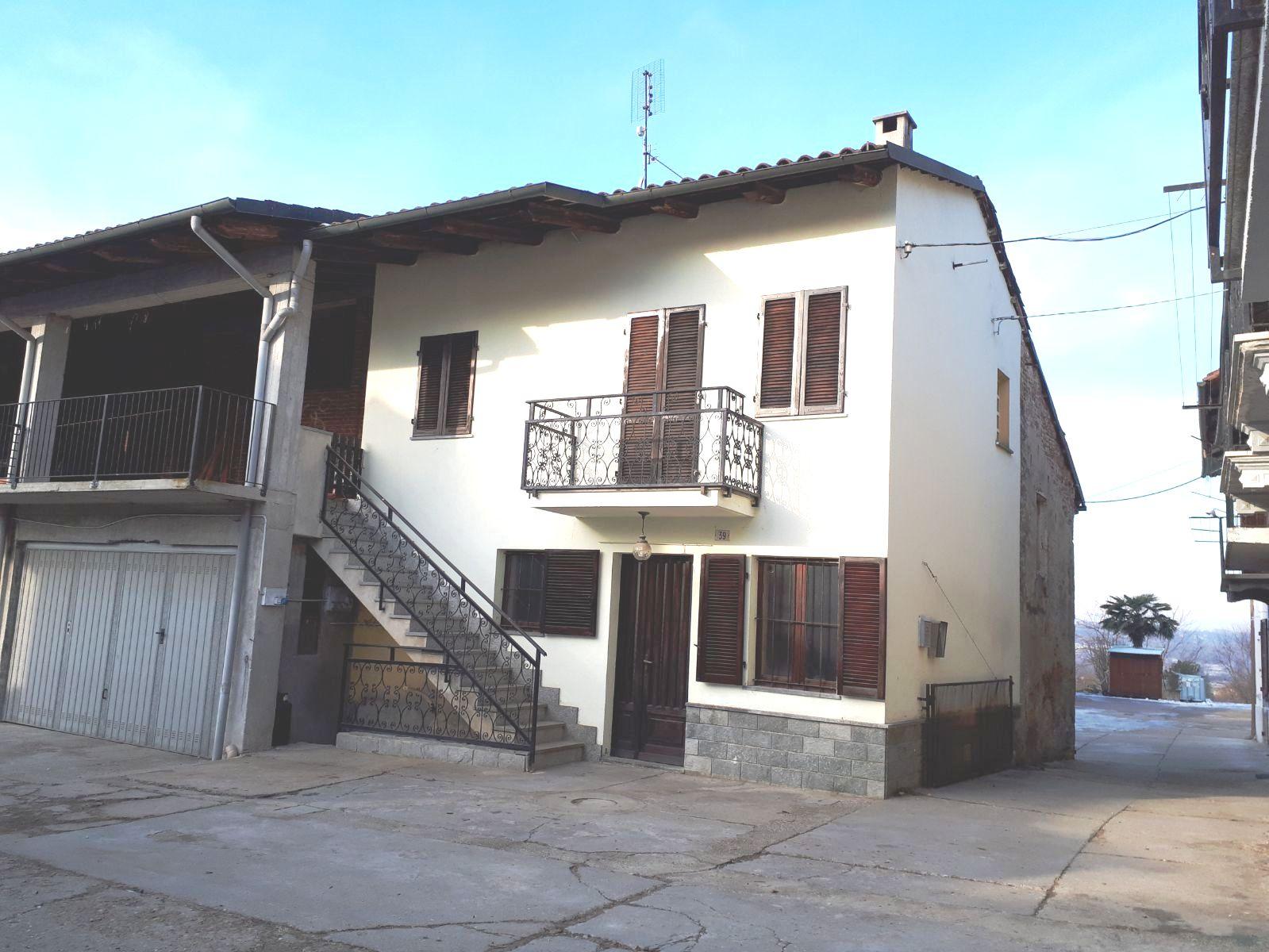 Rustico / Casale in affitto a Castelnuovo Don Bosco, 2 locali, zona Zona: Morialdo, prezzo € 350 | CambioCasa.it