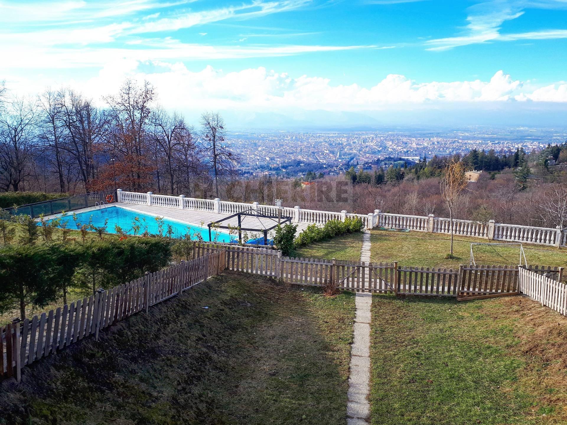 Appartamento in affitto a Pecetto Torinese, 4 locali, zona Zona: Eremo, prezzo € 1.400 | CambioCasa.it