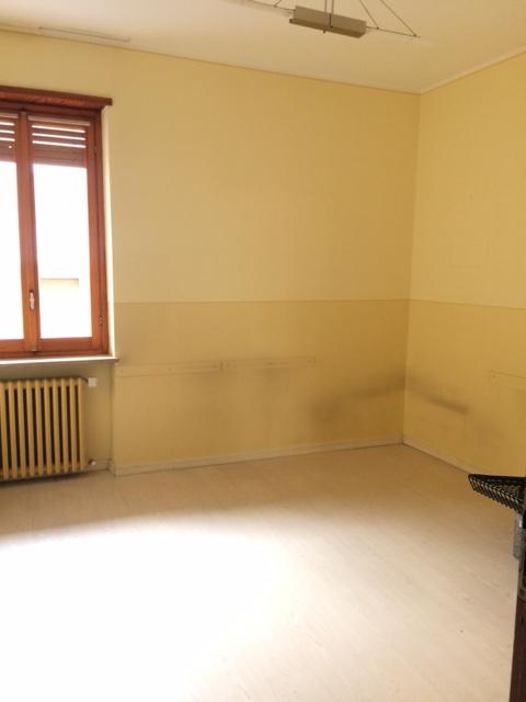 L Angolo Per L Ufficio Bra.Appartamento In Vendita A Bra Cod 236