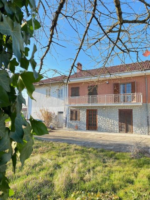 Casa singola in Vendita a Cherasco