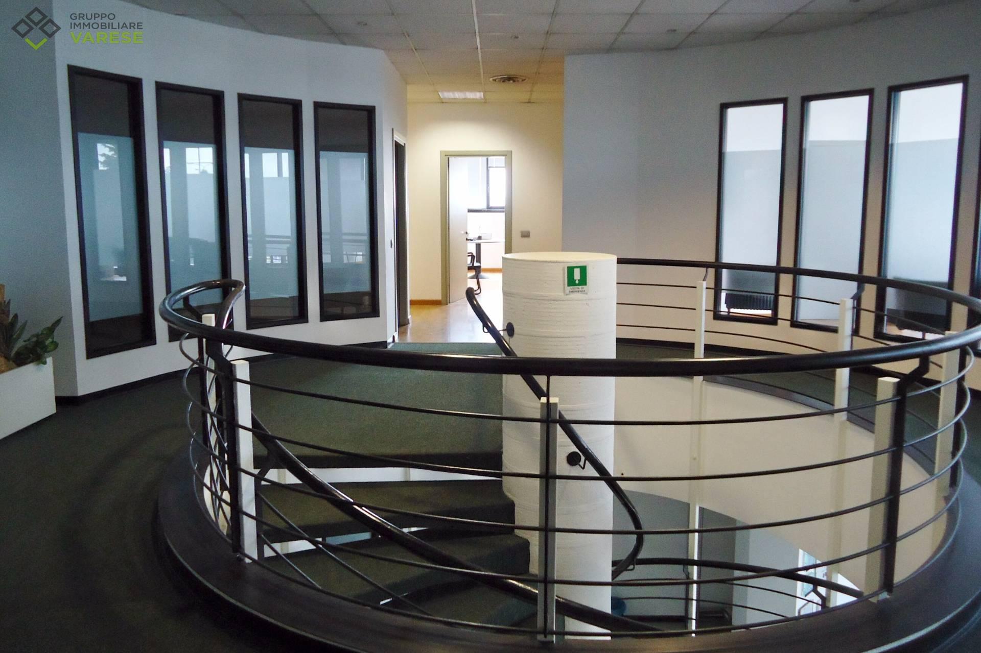 Ufficio / Studio in vendita a Malnate, 9999 locali, zona Zona: Gurone, prezzo € 490.000 | CambioCasa.it
