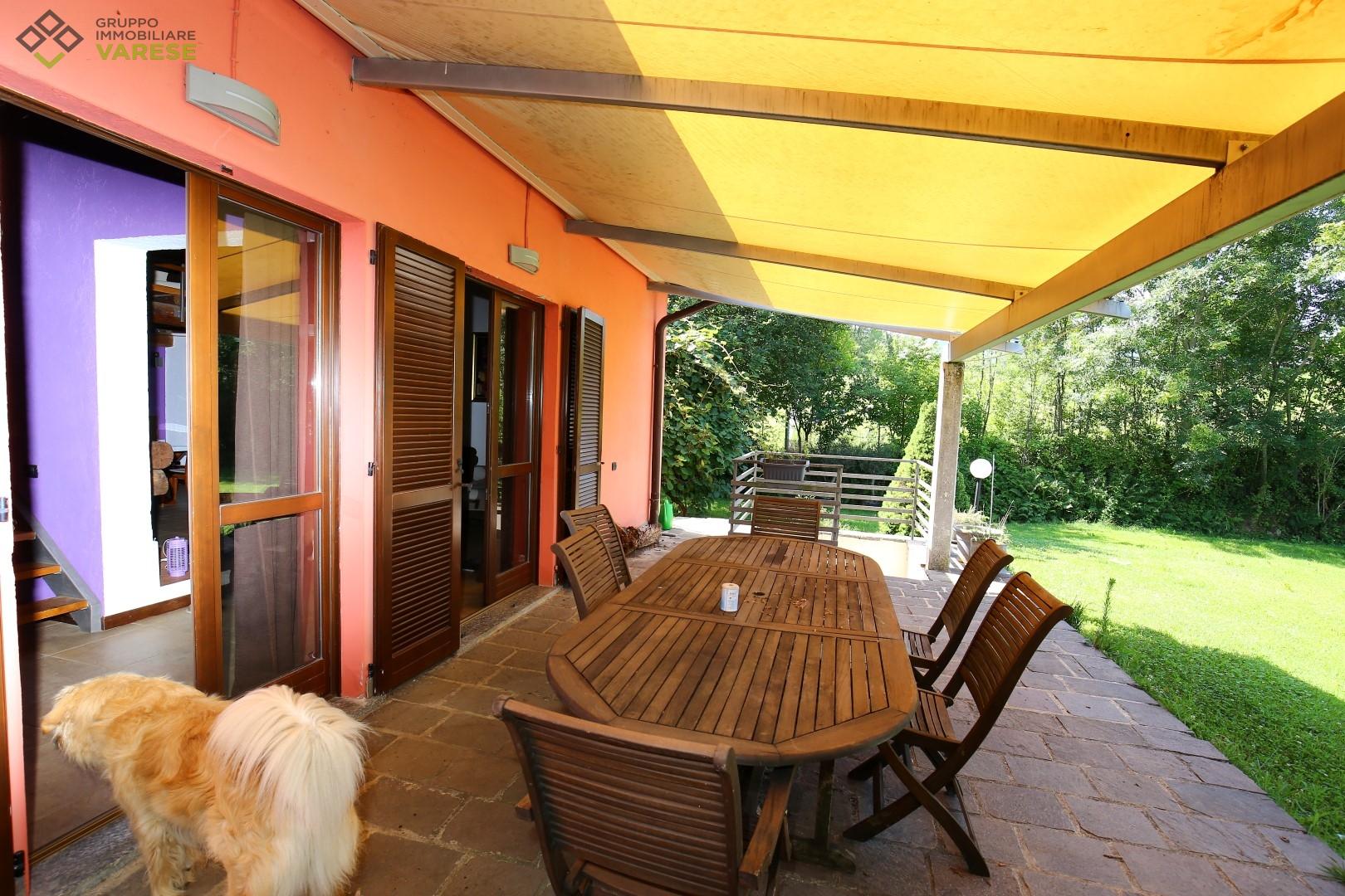 Villa in vendita a Bodio Lomnago, 9 locali, zona Zona: Bodio, prezzo € 660.000   CambioCasa.it