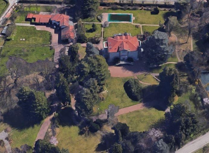 Villa in affitto a Malnate, 10 locali, Trattative riservate | CambioCasa.it