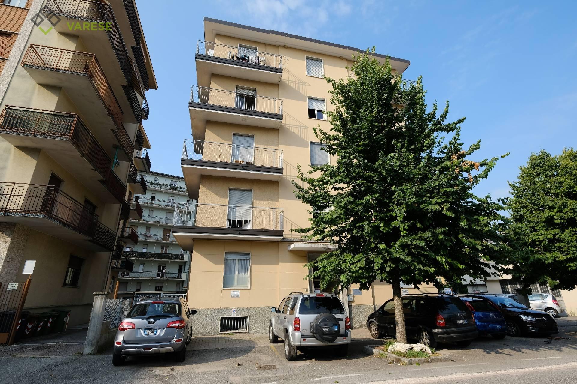vendita appartamento varese giubiano  70000 euro  3 locali  94 mq