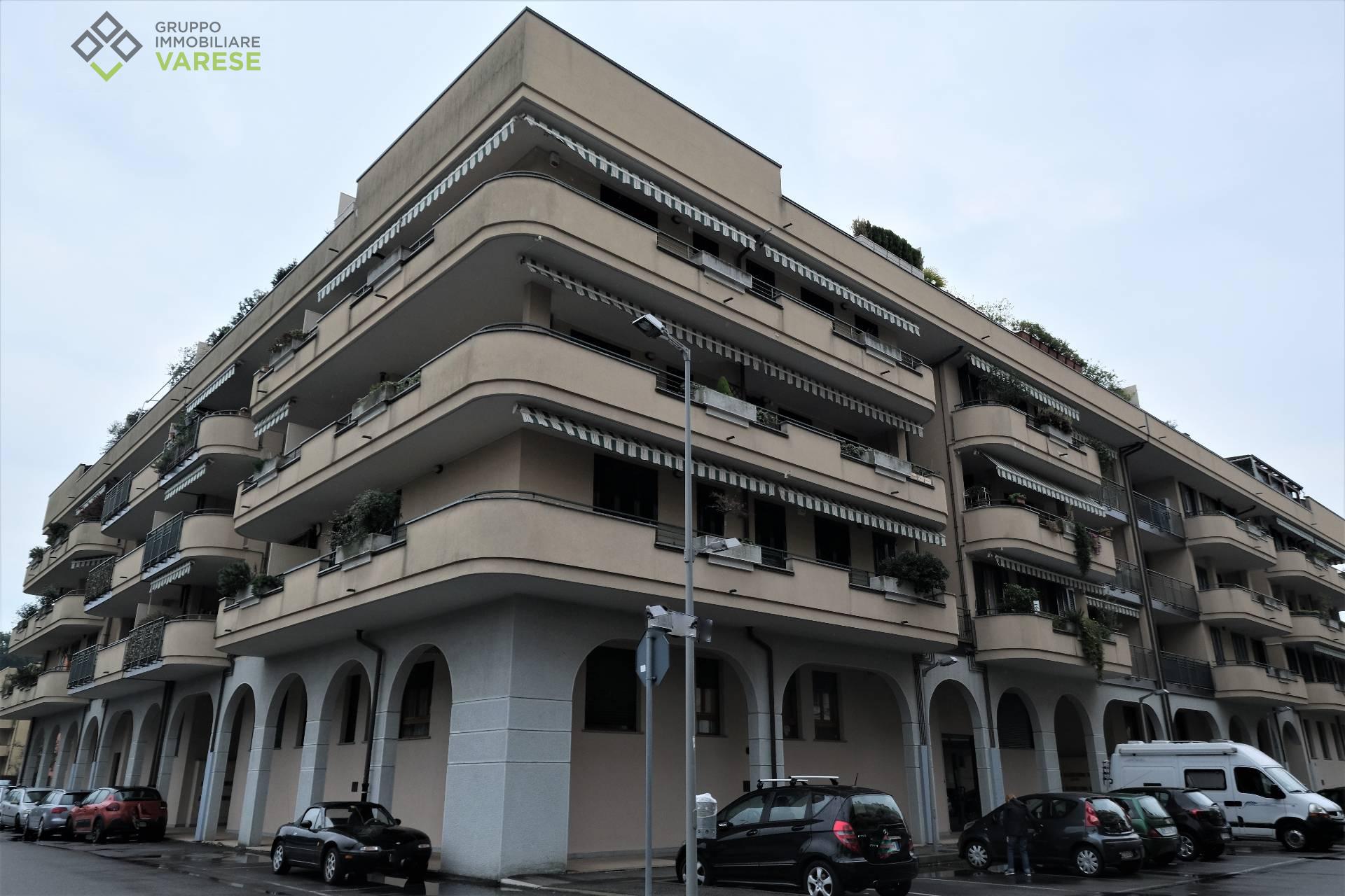 Appartamento in affitto a Cardano al Campo, 3 locali, zona Zona: Cuoricino, prezzo € 550   CambioCasa.it