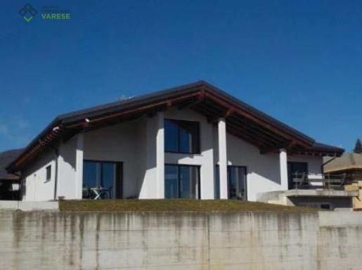 Appartamento in vendita a Clivio, 5 locali, prezzo € 408.750 | CambioCasa.it