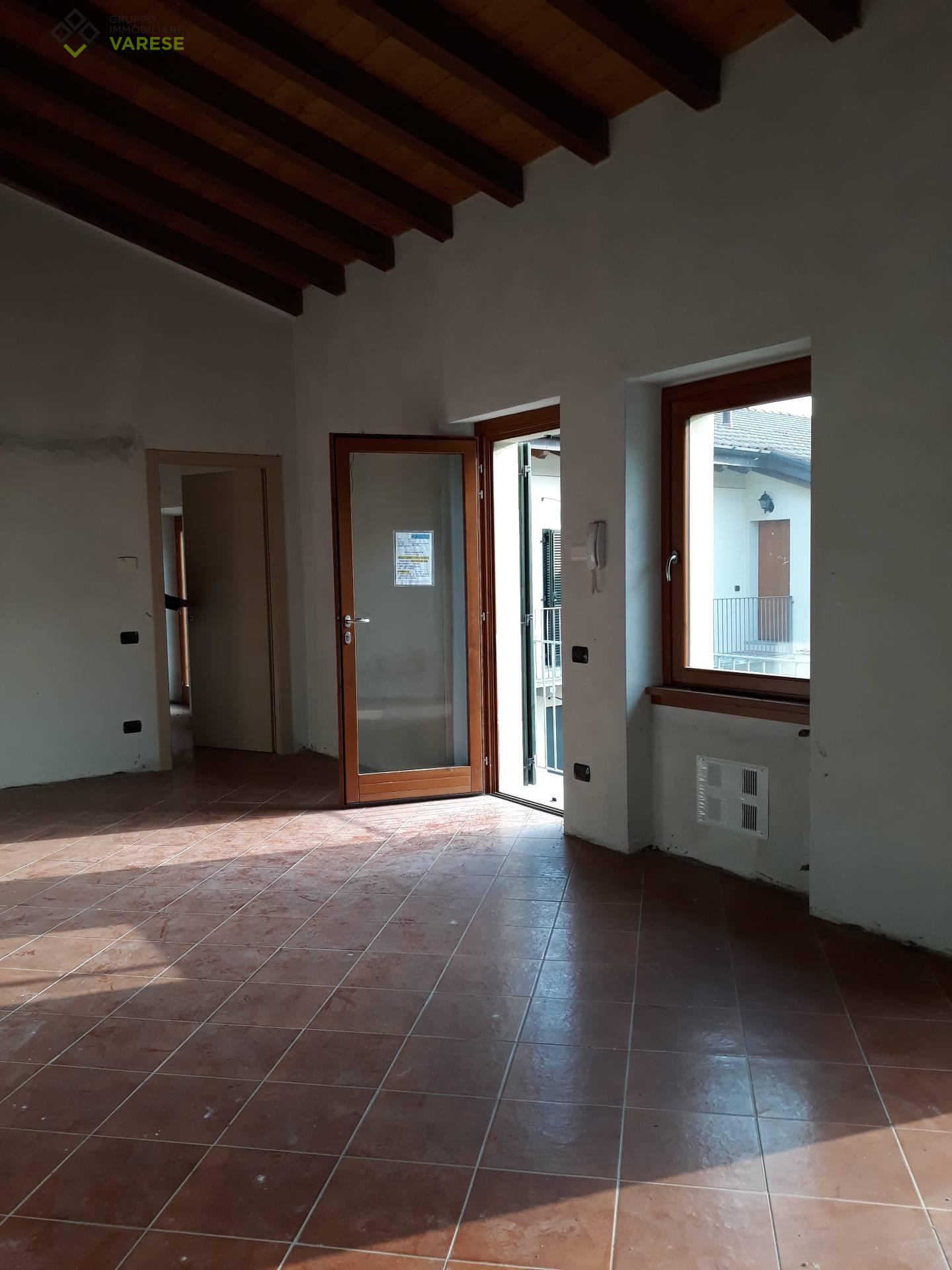 Appartamento in vendita a Clivio, 2 locali, prezzo € 43.763   CambioCasa.it