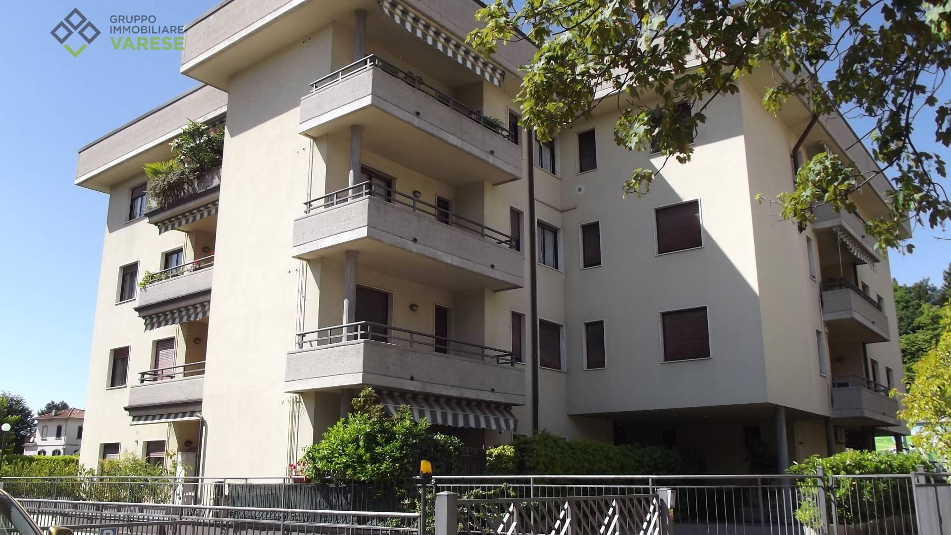 Negozio / Locale in affitto a Varese, 9999 locali, zona Località: Europa, prezzo € 1.500 | CambioCasa.it