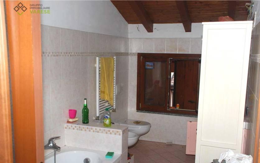 Appartamento in vendita a Cuveglio, 3 locali, prezzo € 83.050 | CambioCasa.it