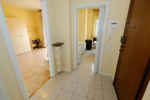 Appartamento Bilocale in Affitto a Buguggiate