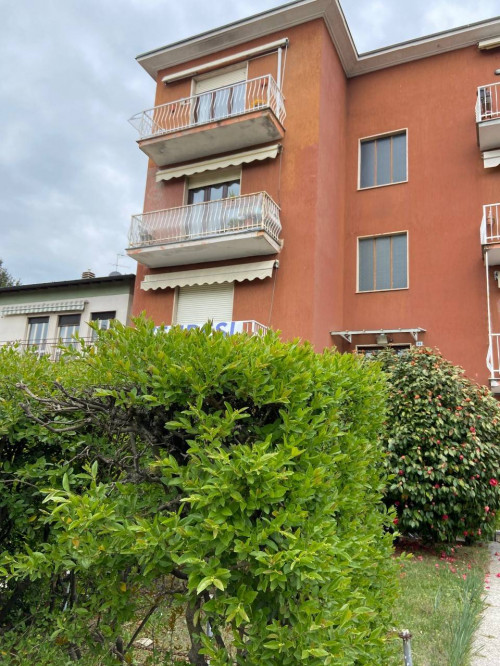 Appartamento Trilocale in Vendita a Gavirate