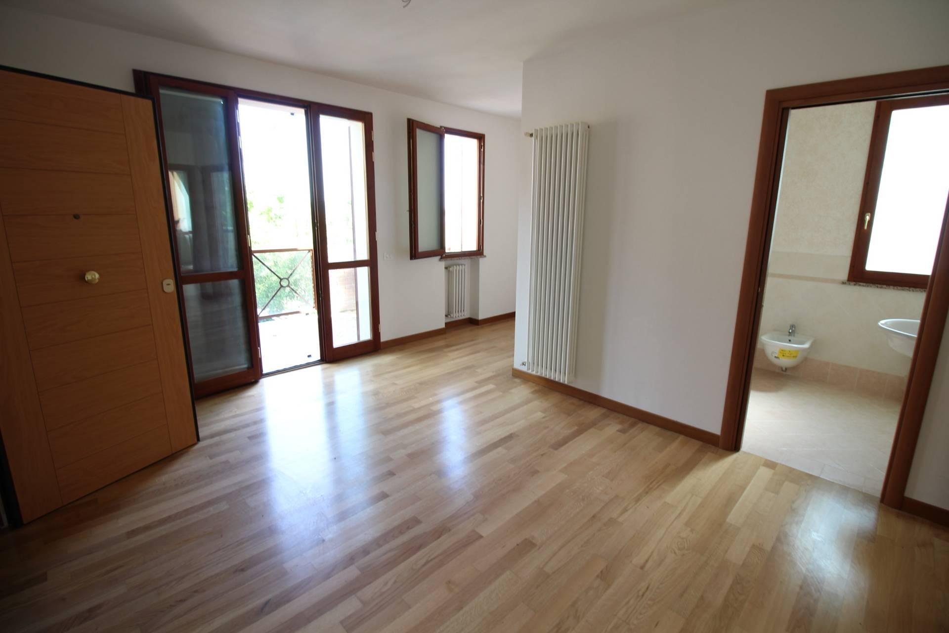 Appartamento in vendita a Ravenna, 1 locali, zona Località: FornaceZarattini, prezzo € 137.000 | CambioCasa.it