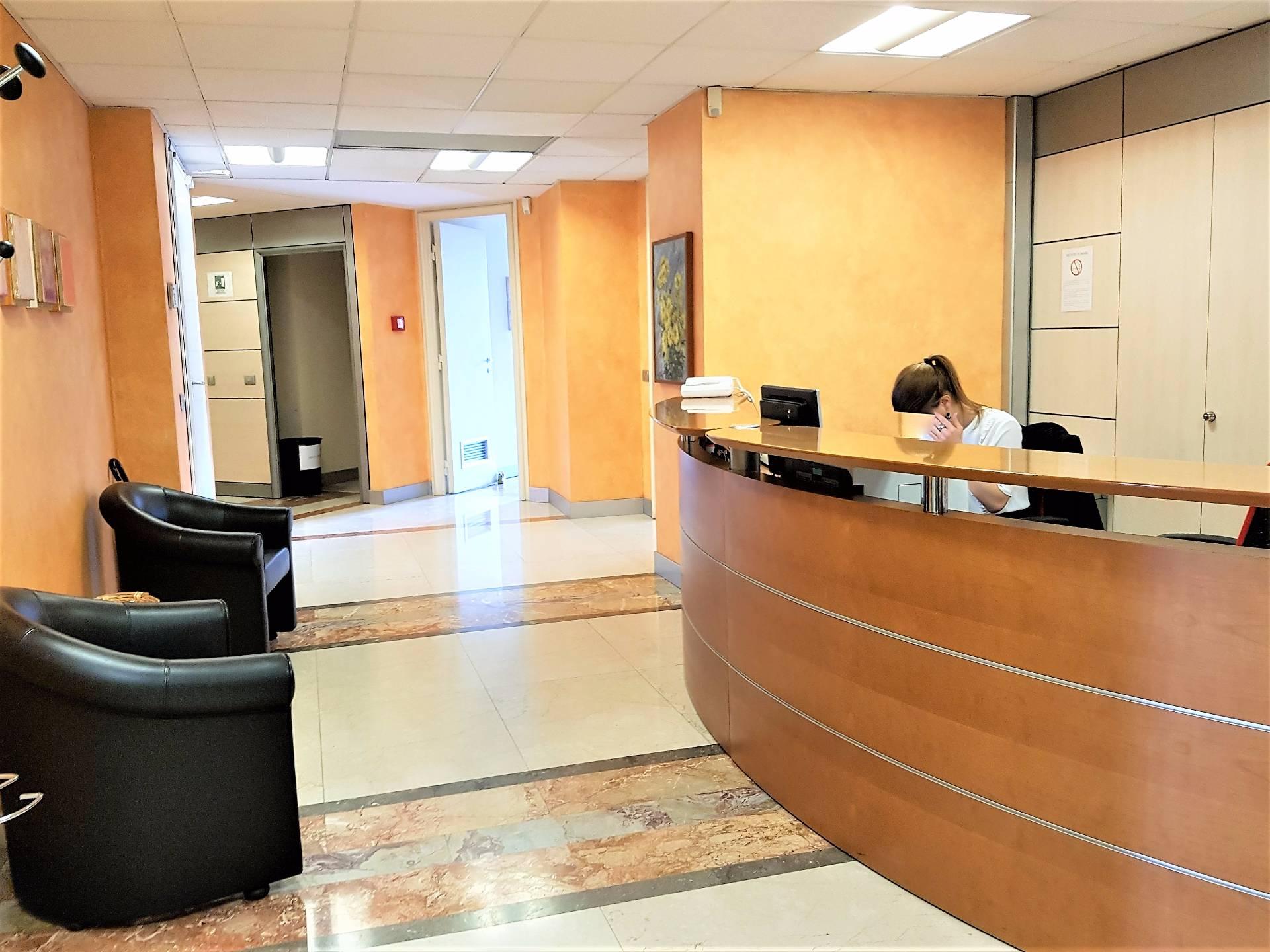 Stanza Ufficio Affitto Milano : Ufficio in affitto a milano cod. piazza diaz via gonzaga