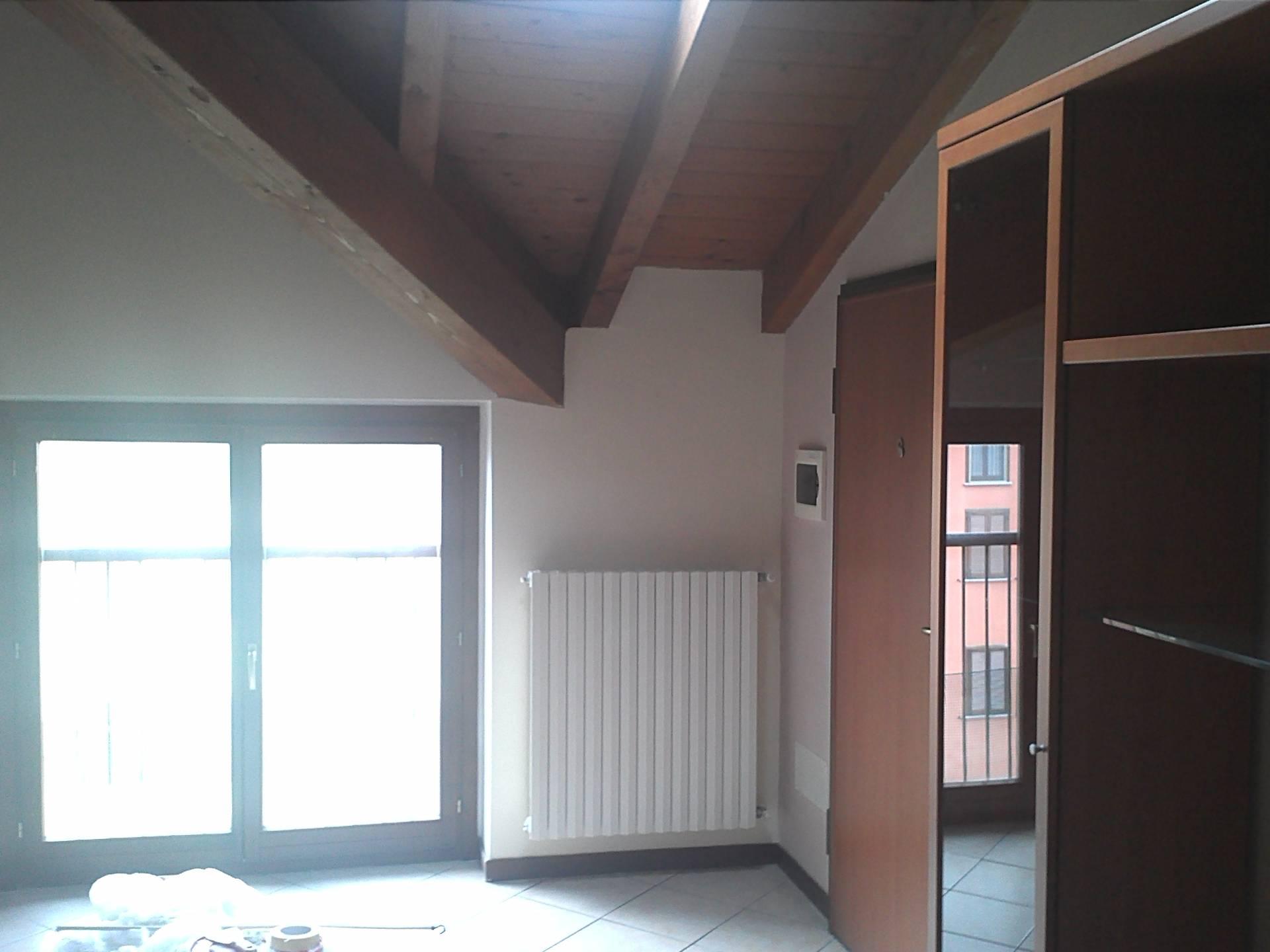 Attico / Mansarda in affitto a Ferno, 3 locali, prezzo € 118.000 | CambioCasa.it