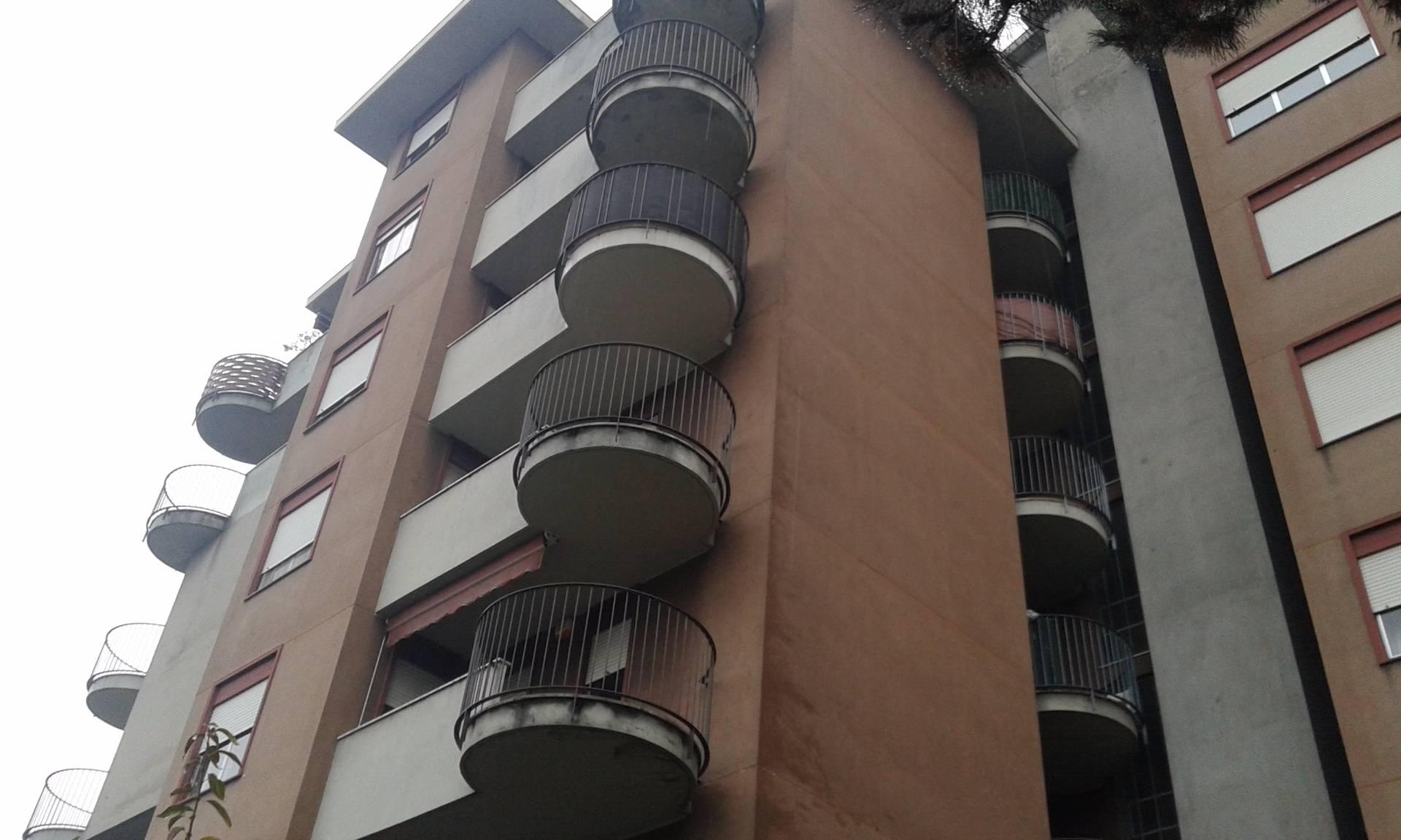 Appartamento in affitto a Busto Arsizio, 3 locali, zona Località: CinquePonti, prezzo € 500 | CambioCasa.it