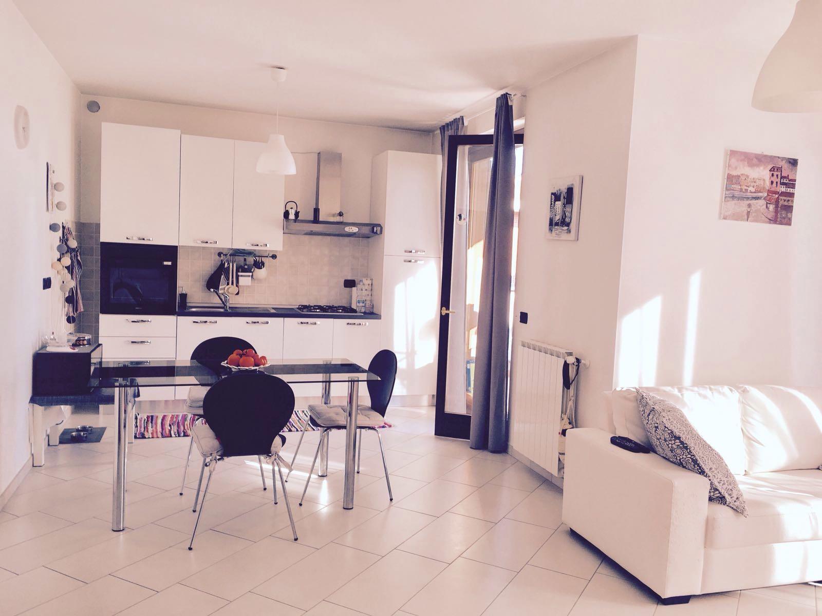 Appartamento in affitto a Cardano al Campo, 2 locali, prezzo € 6.000   CambioCasa.it