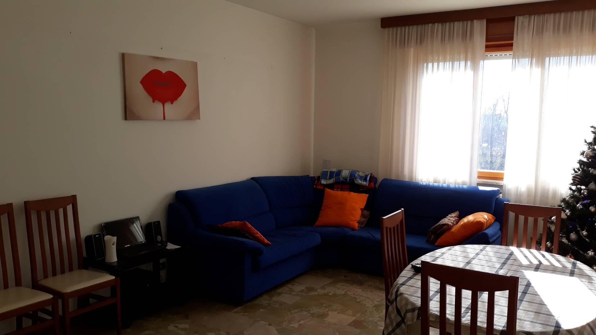 Appartamento in affitto a Varese, 2 locali, zona Zona: Bizzozzero, prezzo € 500 | CambioCasa.it